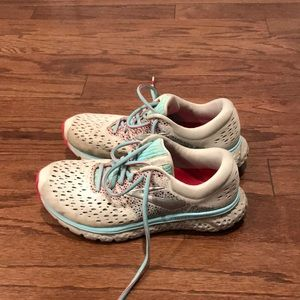 Brooks glycerin 16 women's running shoes